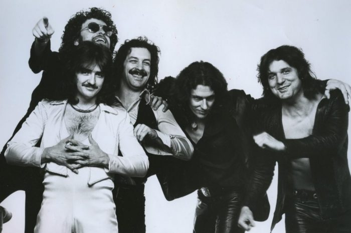Blue Öyster Cult: On your feet or on your knees!
