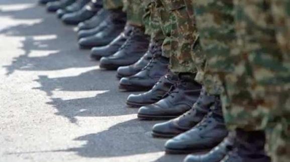 Πόσο βύσμα ήσουν στο στρατό;