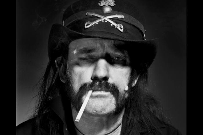 Ο δεκάλογος του τεράστιου Lemmy!