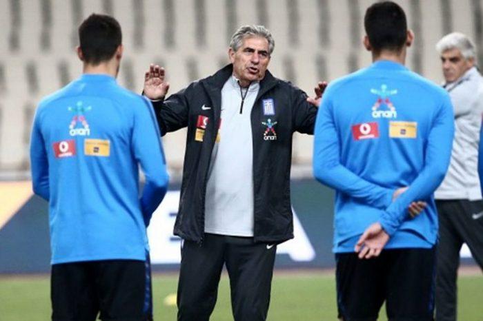 Προπονητής του καναπέ: Λίγα λόγια την Εθνική που δεν βλέπει πλέον κανείς.