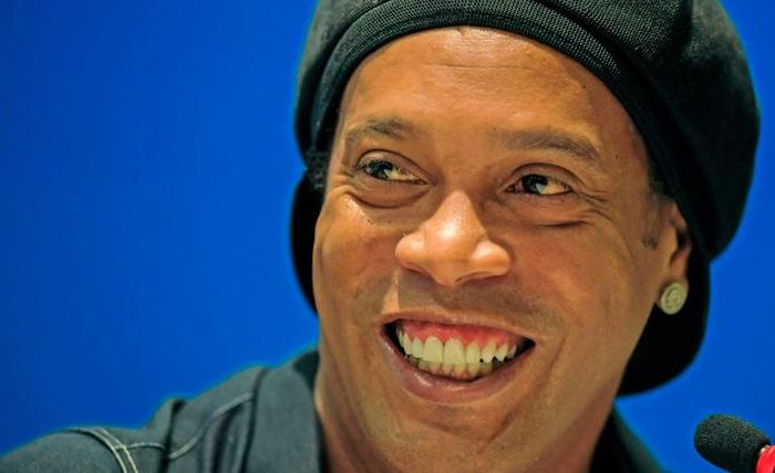 Ronaldinho: How long how long will I slide (smile)