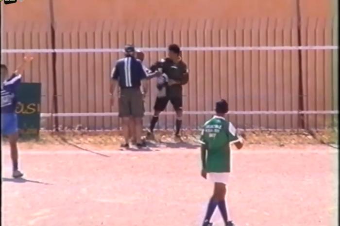 Ο τερματοφύλακας που έφυγε από την εστία (Video).